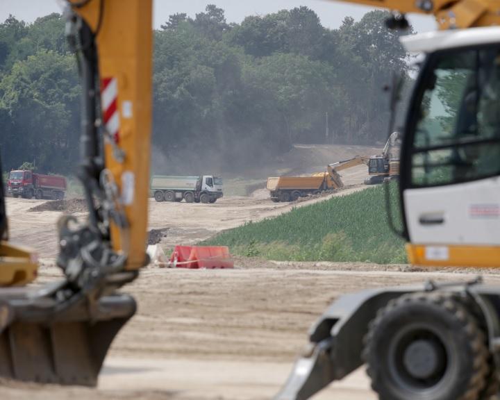 Letették az M6-os autópálya Bóly-Ivándárda közötti szakaszának alapkövét