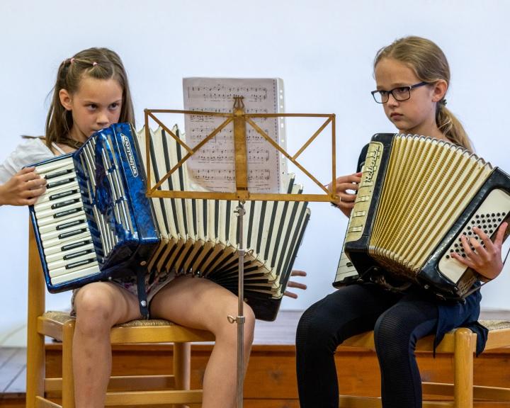 Több évtizedes hagyományok továbbéltetése a cél Véménden