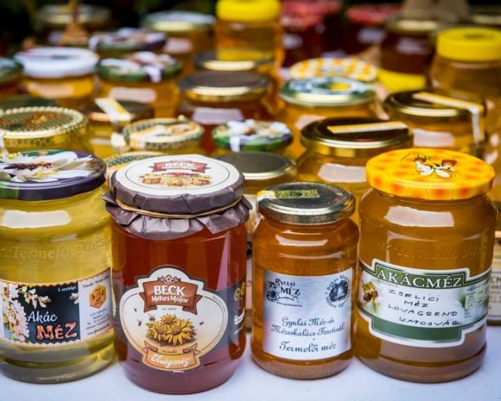 AM: magyar kezdeményezésre szigorodhatnak a mézkeverékek származásjelölési előírásai