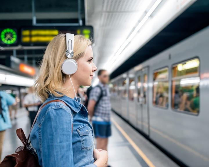 Arcfelismerő beléptető rendszert indítottak a moszkvai metró összes állomásán