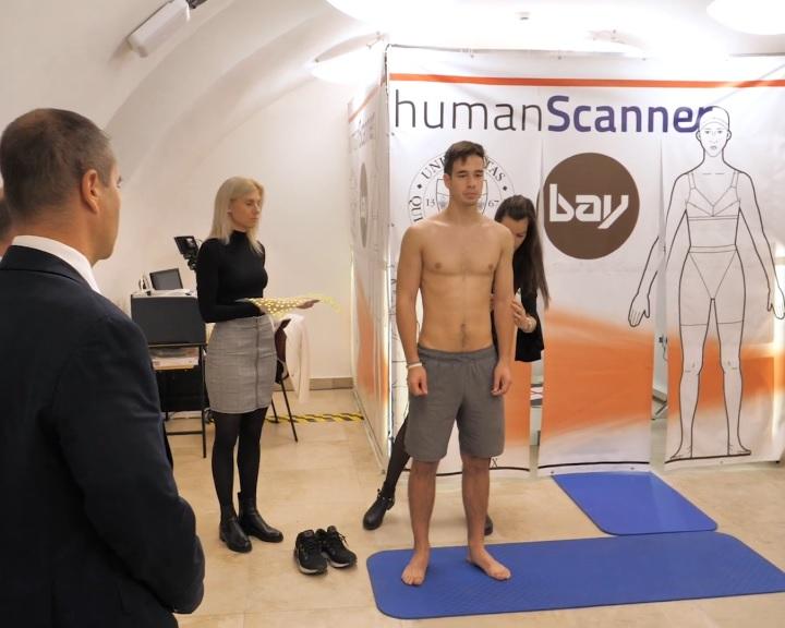 A helyes testtartás elemzését szolgáló berendezést fejlesztettek ki a Pécsi Tudományegyetemen