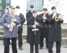Bányász emlékművet koszorúztak Újtelepen (Varga Péter)
